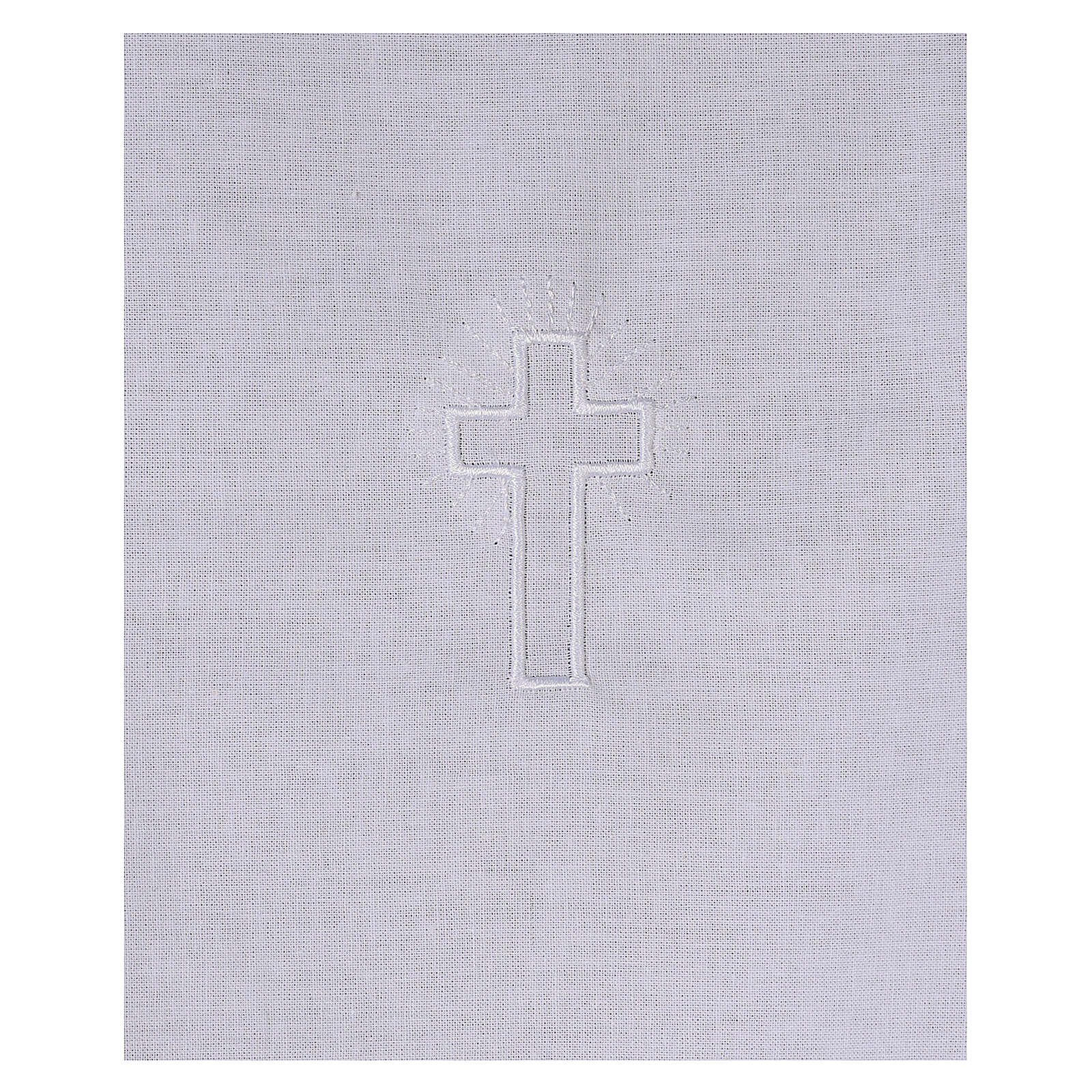 Amitto in cotone con croce bianca ricamata 4