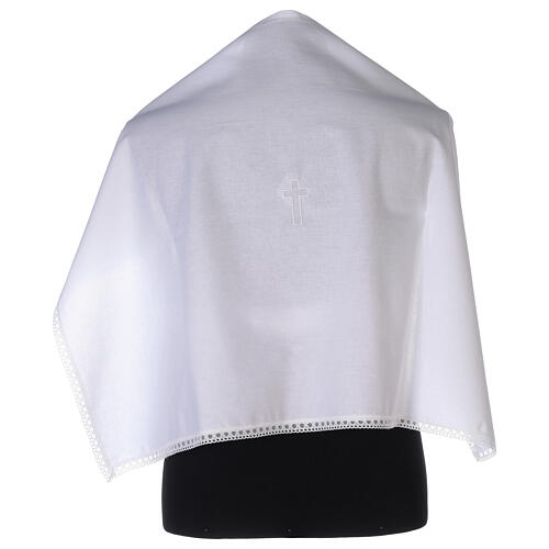 Amitto in cotone con croce bianca ricamata 1