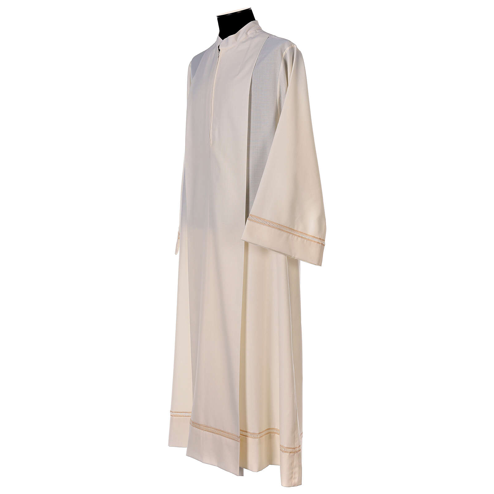 Aube 55% laine 45% polyester couleur ivoire ourlet à jour brodé main et fermeture éclair avant 4