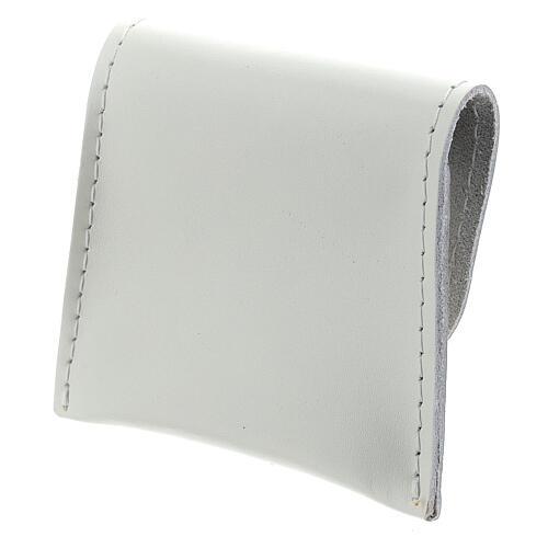Bustina portarosario bottone pelle bianca 7x8 cm 2