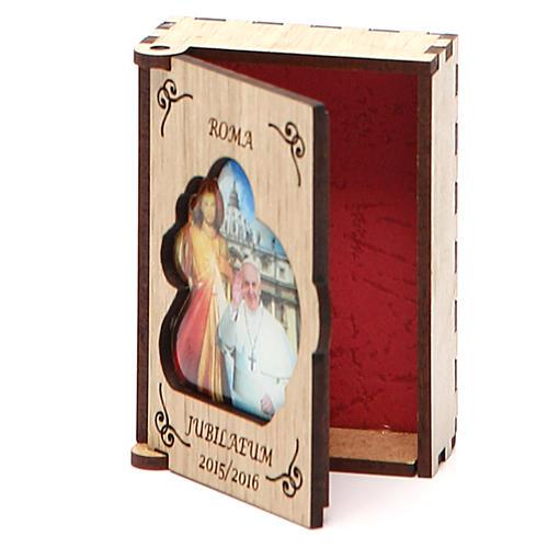 STOCK Rosenkranzetui aus Holz Jubilaeum Papst Franziskus 2