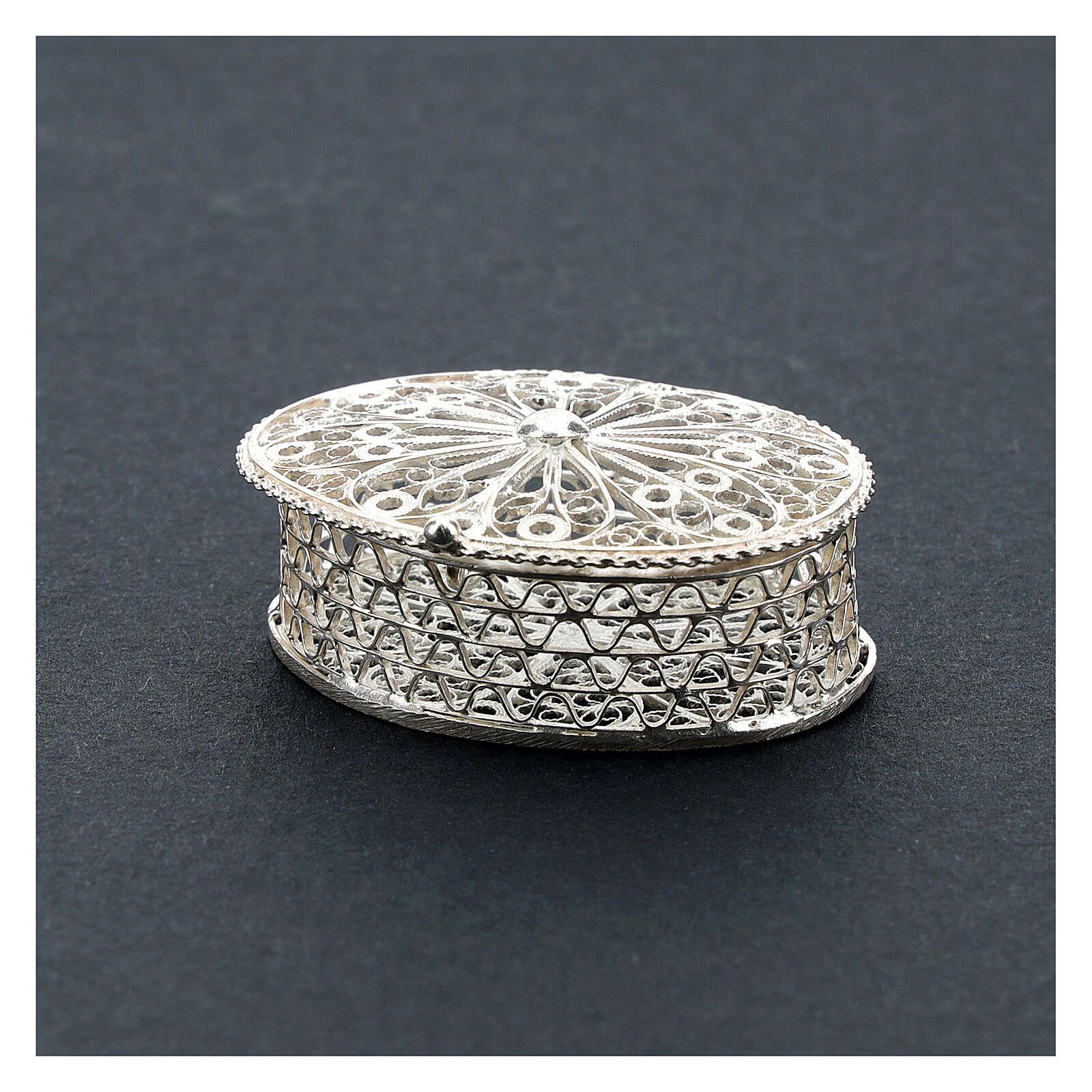 Caja para rosario ovalada de plata 800 con incisiones 4