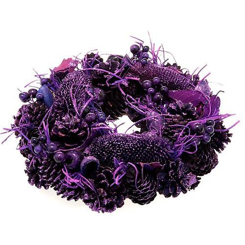 Corona natalizia pigne e bacche viola addobbo Natale 1