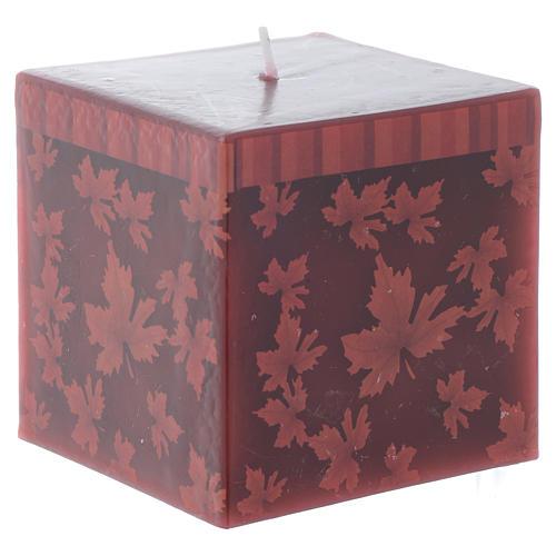 Bougie Noël carrée décor feuilles rouges 7,5 cm 1