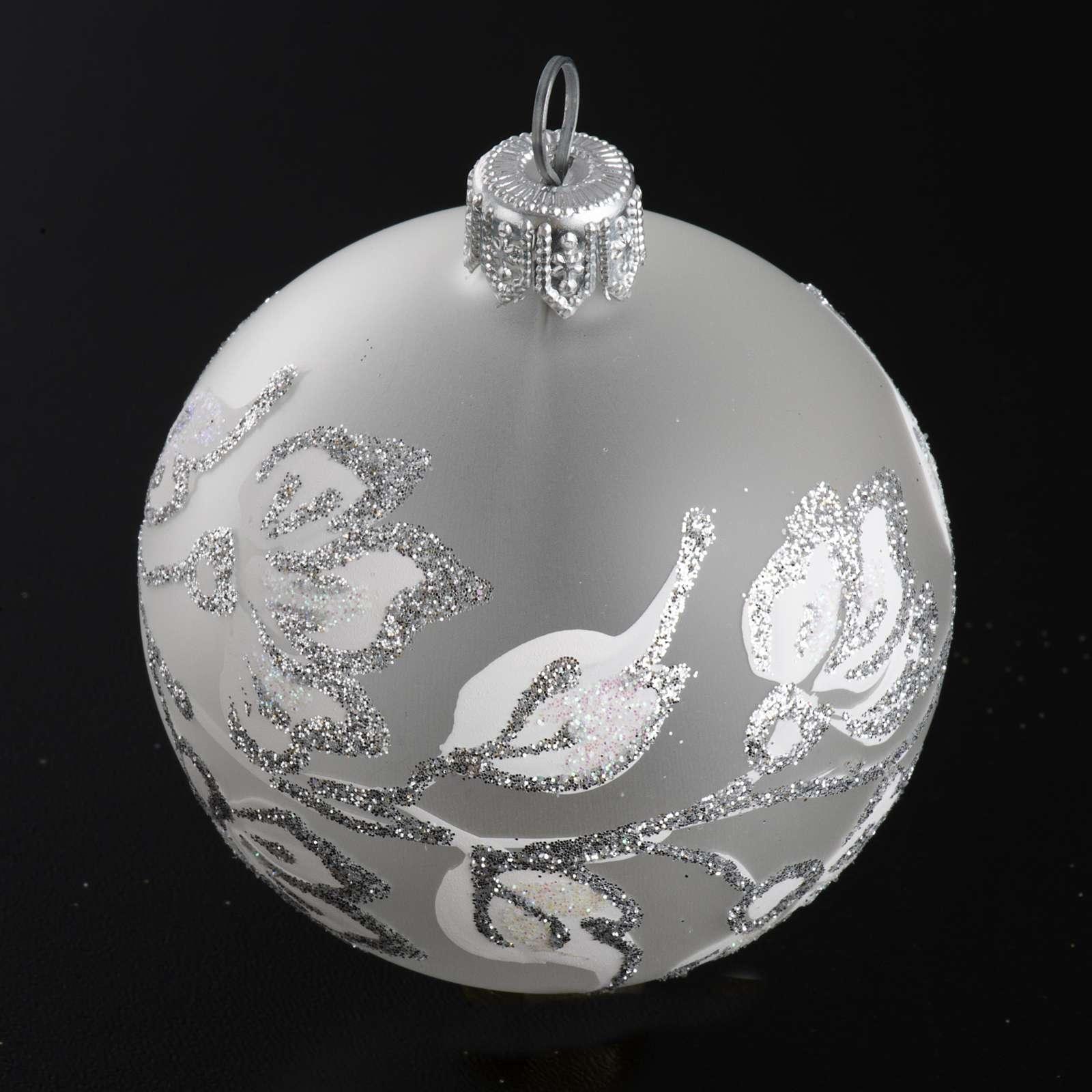 Boule de Noel fleurs argentées 6 cm 4