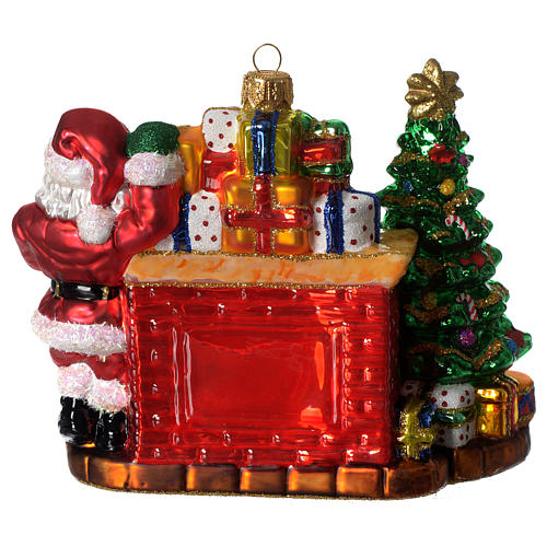 Santa Claus and fireplace, Christmas tree decoration in blown glass 3