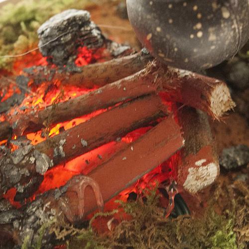 Milieu crèche Noel, feu avec casserole piles 15x10 3