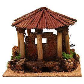 Temple romain avec toit rond milieu crèche Noel s4