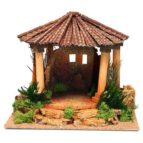 Temple romain avec toit rond milieu crèche Noel 1