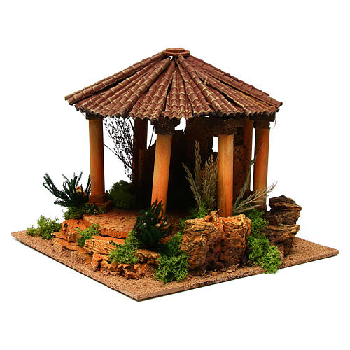 Temple romain avec toit rond milieu crèche Noel 2