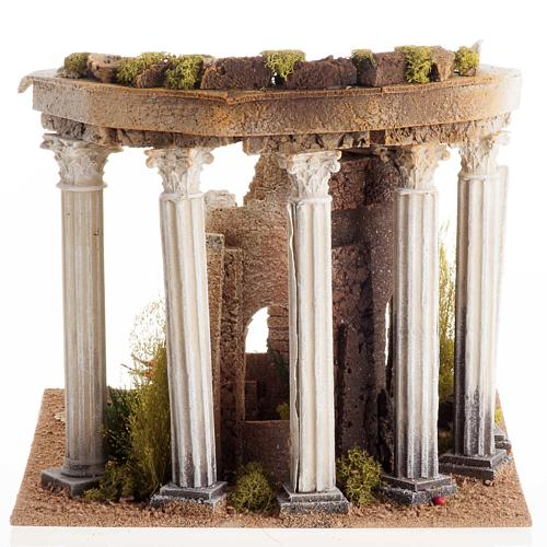 Temple romain avec colonnes et petite maison pour crèche 3