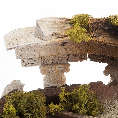 Temple romain avec colonnes et petite maison pour crèche 8
