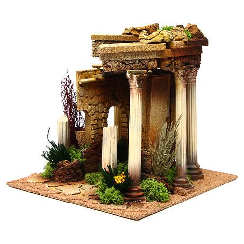 Temple romain avec colonnes et petite maison pour crèche 2