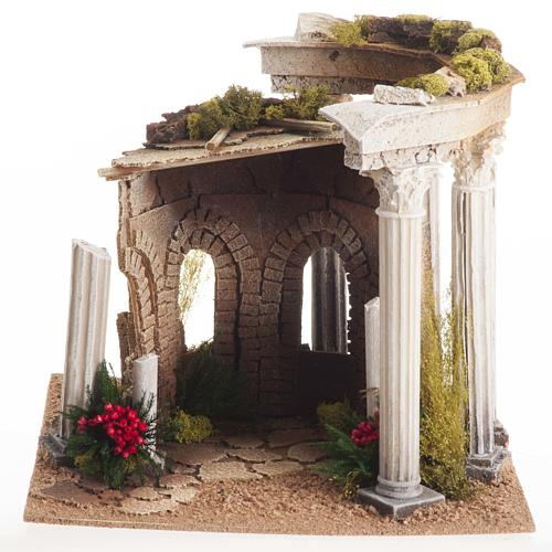 Nativity setting, Roman temple with columns and house 2