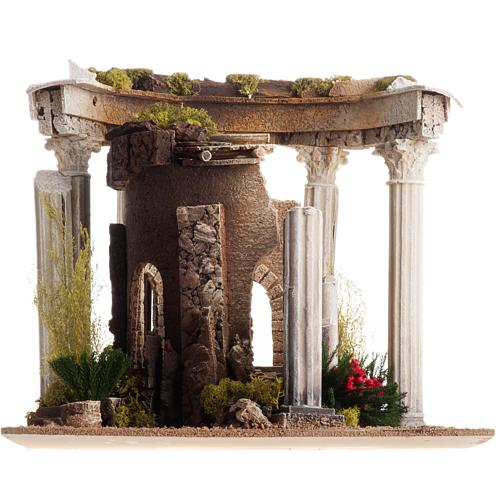 Nativity setting, Roman temple with columns and house 9