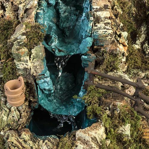 Grotta presepe con cascata, fuoco, case, luci 2