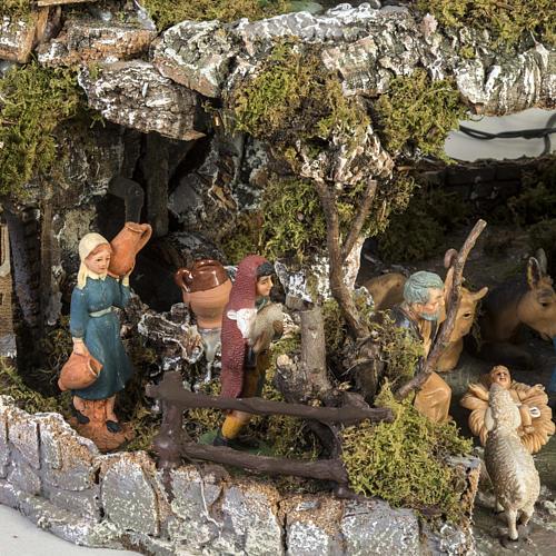 Borgo presepe stile napoletano con capanna luci fontana fuoco 3