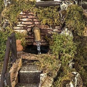 Borgo presepe con fontana, ruscello, staccionata s2