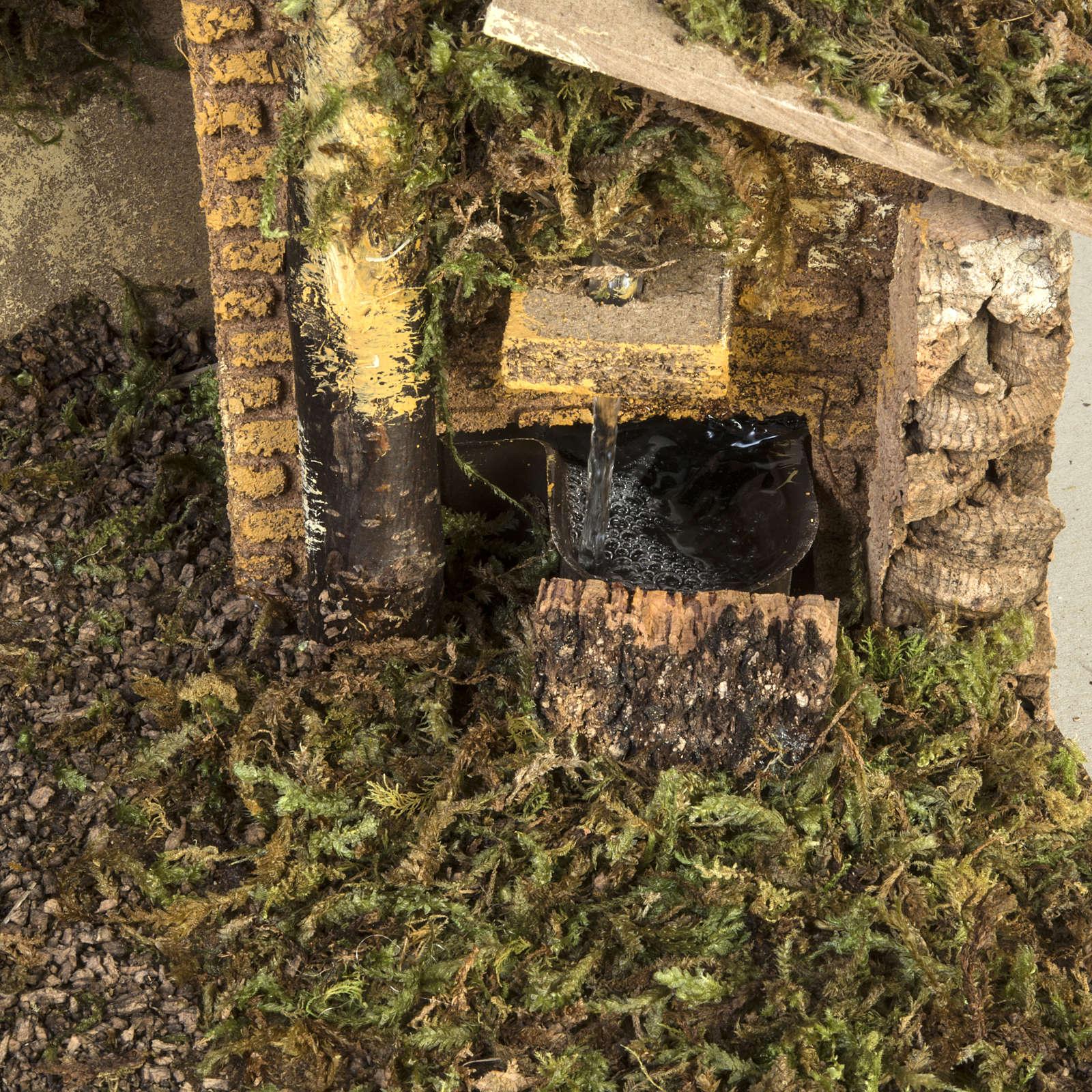 Capanna presepe fuoco e fontana 30x50x24 4