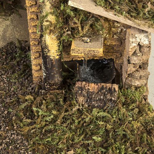 Capanna presepe fuoco e fontana 30x50x24 2