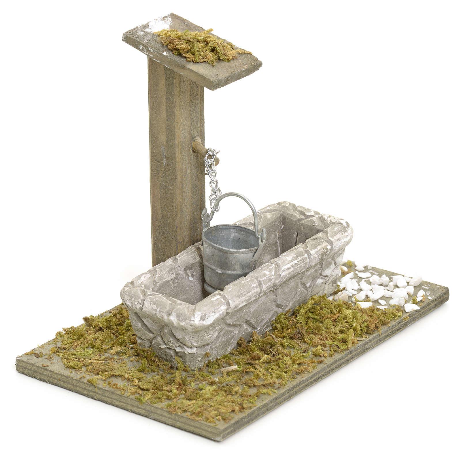 Nativity setting, fountain with bucket 4