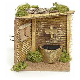 Angolo casa con fontana elettrica per presepe s1