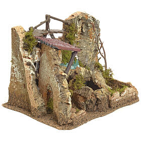Cascata elettrica in ambiente di roccia per presepe s3