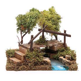 Fuente con puente y árbol de liquen s1