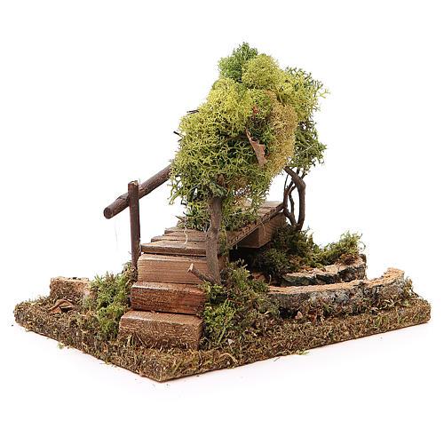Fuente con puente y árbol de liquen 3