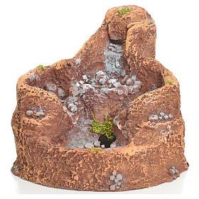 Laghetto in resina con cascata per presepe 16x18x15 cm s1