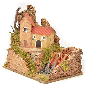 Nativity fire with lamp, flame and house, 10x15x12cm s2