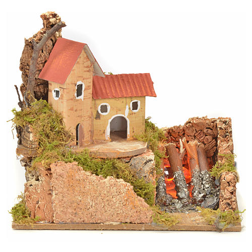 Nativity fire with lamp, flame and house, 10x15x12cm 1