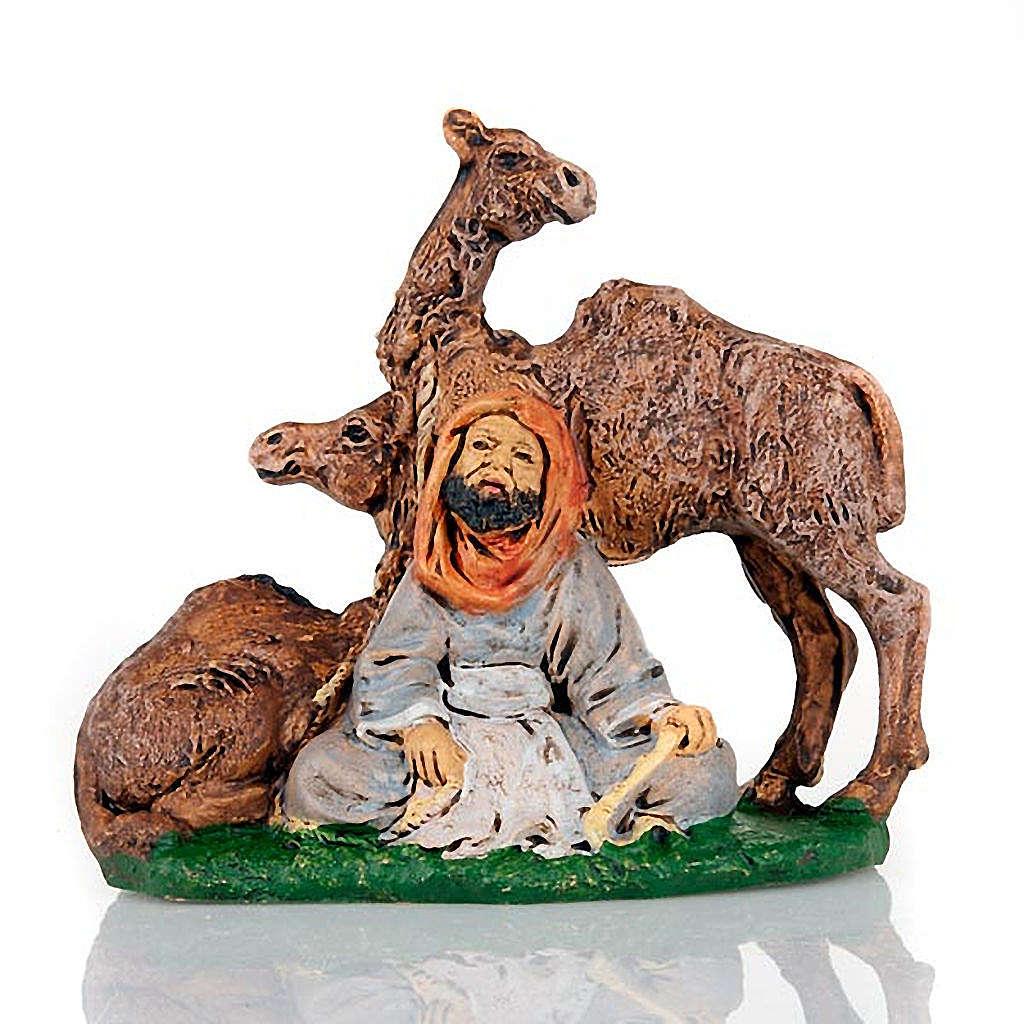 Pastore seduto con 2 cammelli 10 cm 3