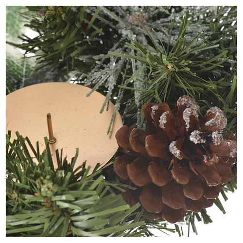 Advent wreath with berries 4
