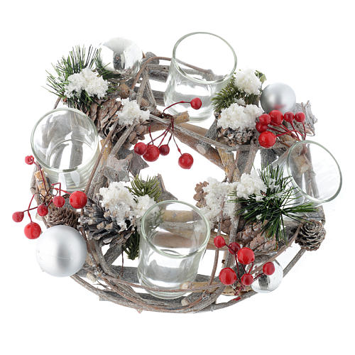 Christmas centrepiece with berries and glasses 1