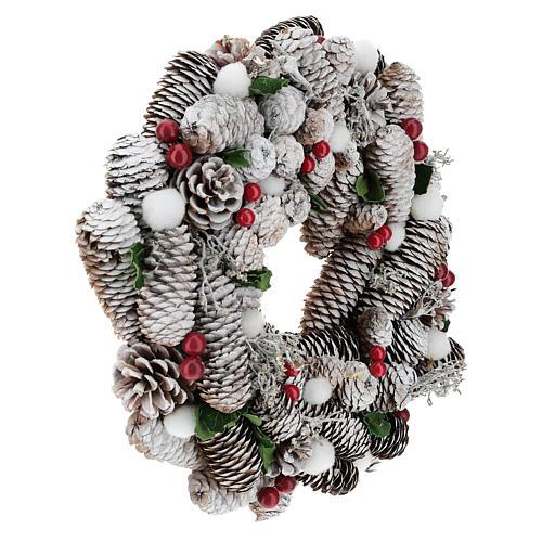 Coroa de Natal branca pinhas e azevinho 33 cm 4