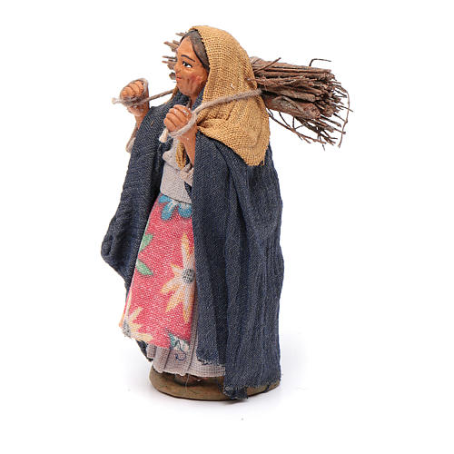 Nativity set accessory woman with firewood 10 cm clay 2