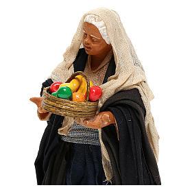 Mujer con cesto 14 cm s2