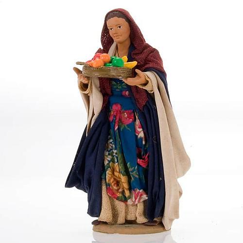 Donna con cesto 14 cm 1