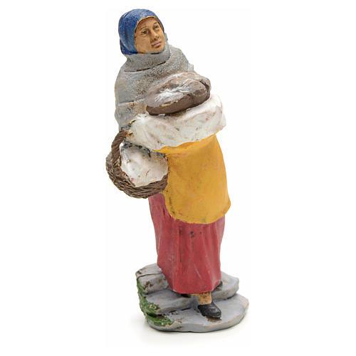 Donna con pane nel cesto 13 cm 1