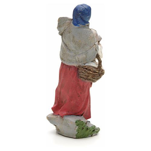 Donna con pane nel cesto 13 cm 2