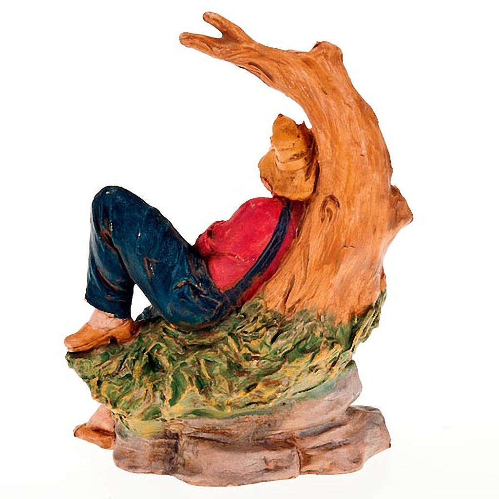 Uomo sdraiato sotto un albero 13 cm 3