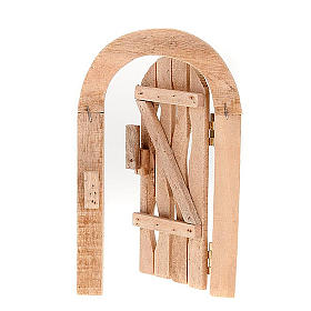 Porta in legno con stipite ad arco e cardini per presepe s1
