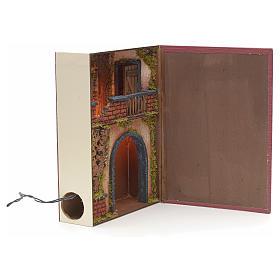 Borgo illuminato con balcone e grotta in libro 30x24x8 cm s2