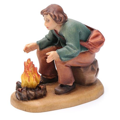 Pasteur devant feu 12 cm bois peint crèche Val Gardena 2