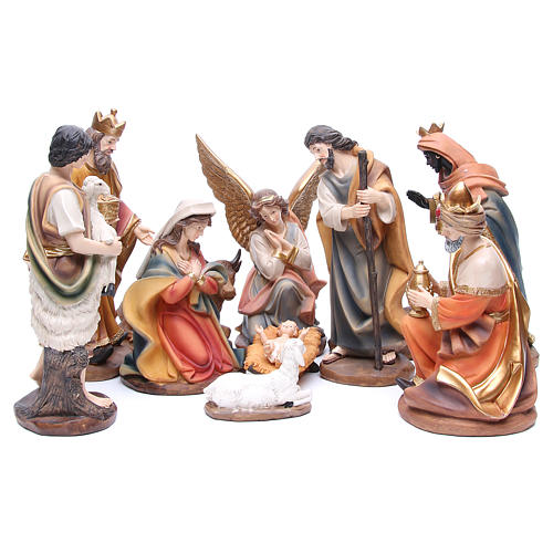Nativity set in resin measuring 30cm complete with 11 characters 1