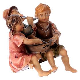 Estatua grupo niños sentados belén Original madera pintada Val Gardena 10 cm de altura media s3