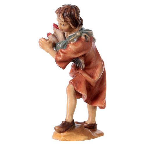 Niño con gallinas belén Original madera pintada Val Gardena 12 cm de altura media 2
