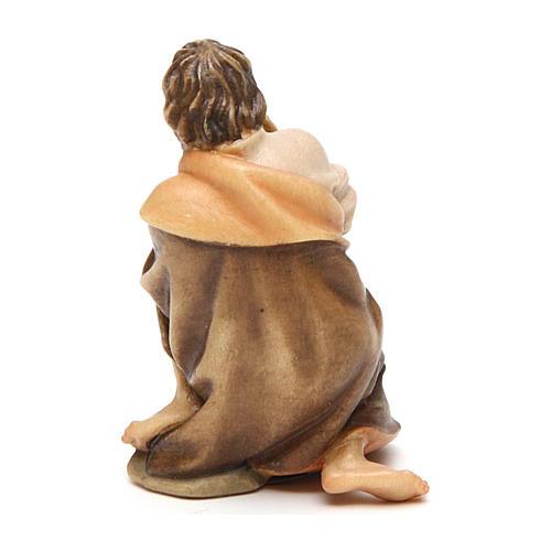 Pastore inginocchiato con bambino presepe Original legno Valgardena 10 cm 3