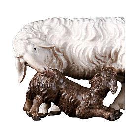 Pecora con agnello allattante presepe Original legno Valgardena 10 cm s2